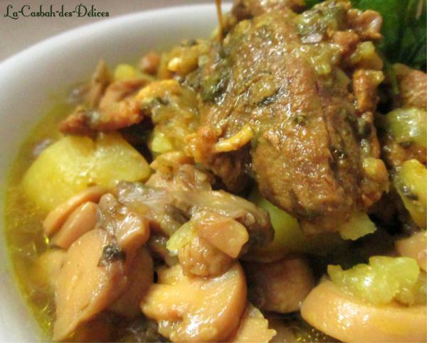 Gigot d'Agneau aux pommes de terre,olives et champignons