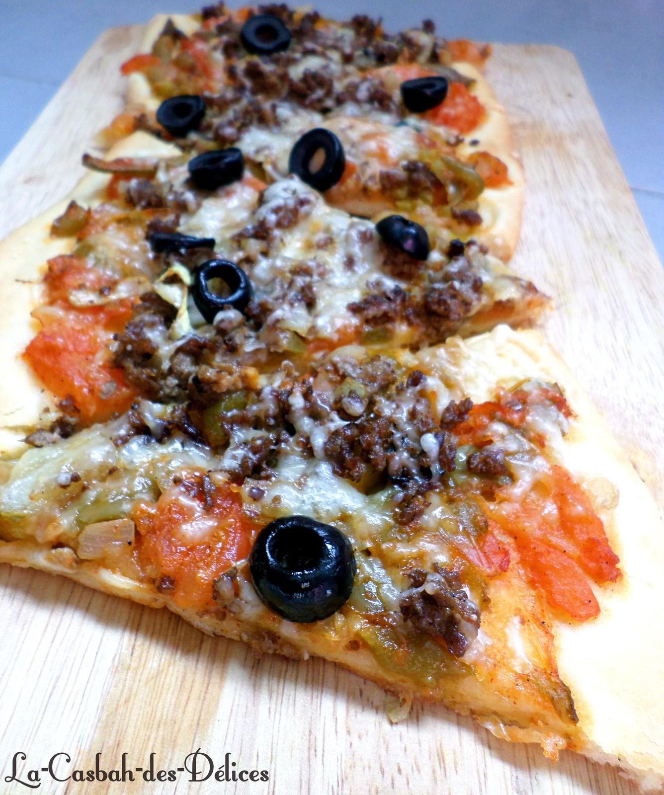 Pizza à la tchektchouka et viande hachée