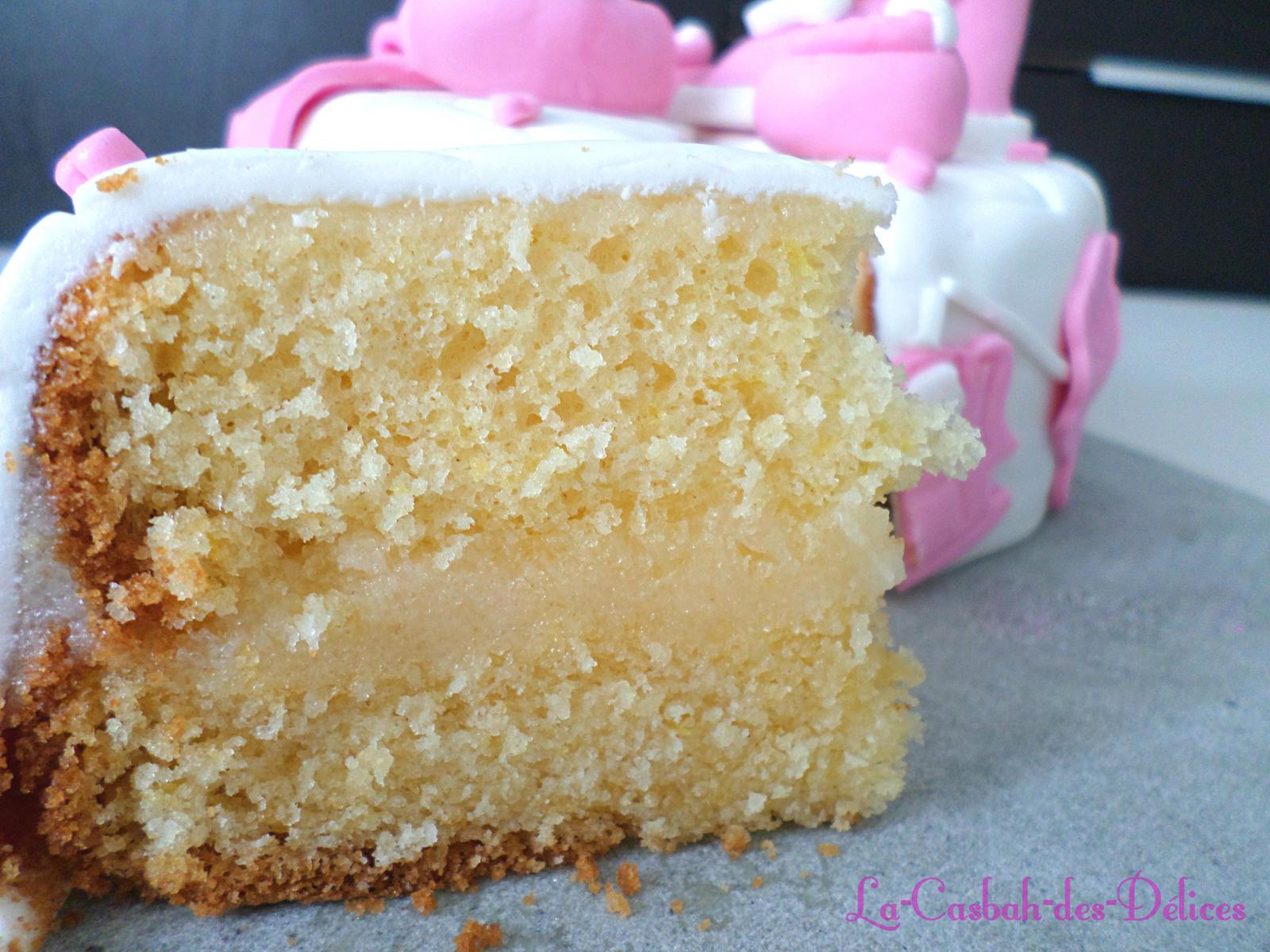 Gâteau citronné et déco en pâte à sucre
