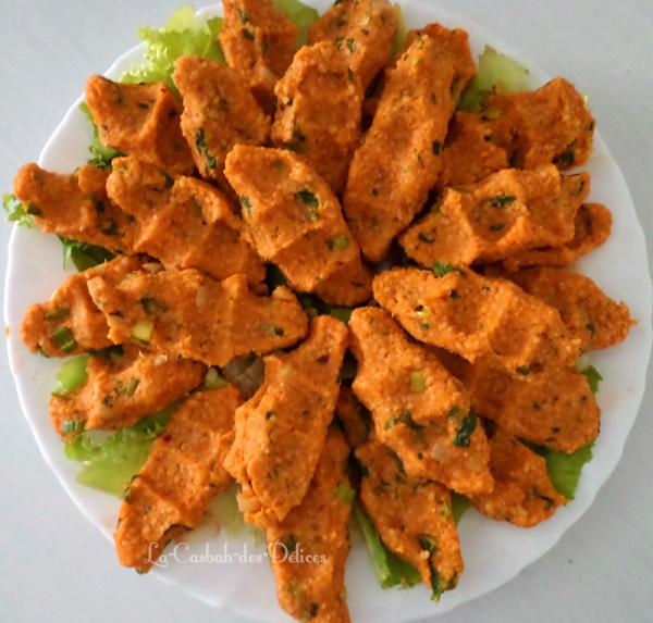 mercimek koftesi : kefta de lentilles rouges