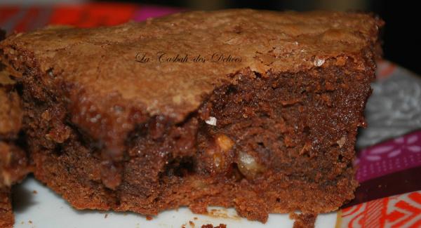 Brownie aux noix.